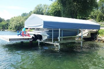 Vertical boat lifts
